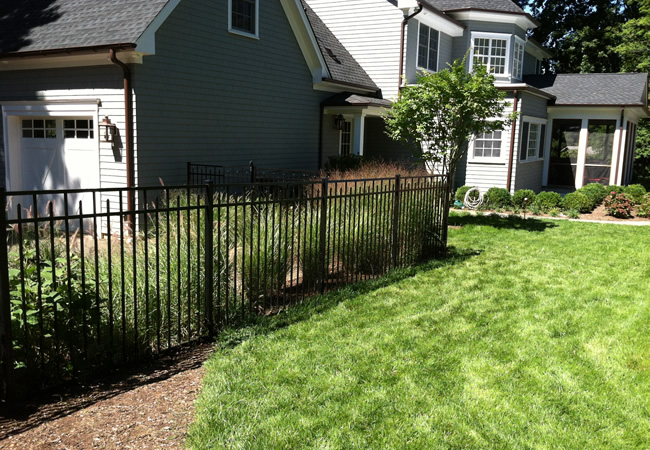 Black Aluminum Jerith Fence with Alternating Finials