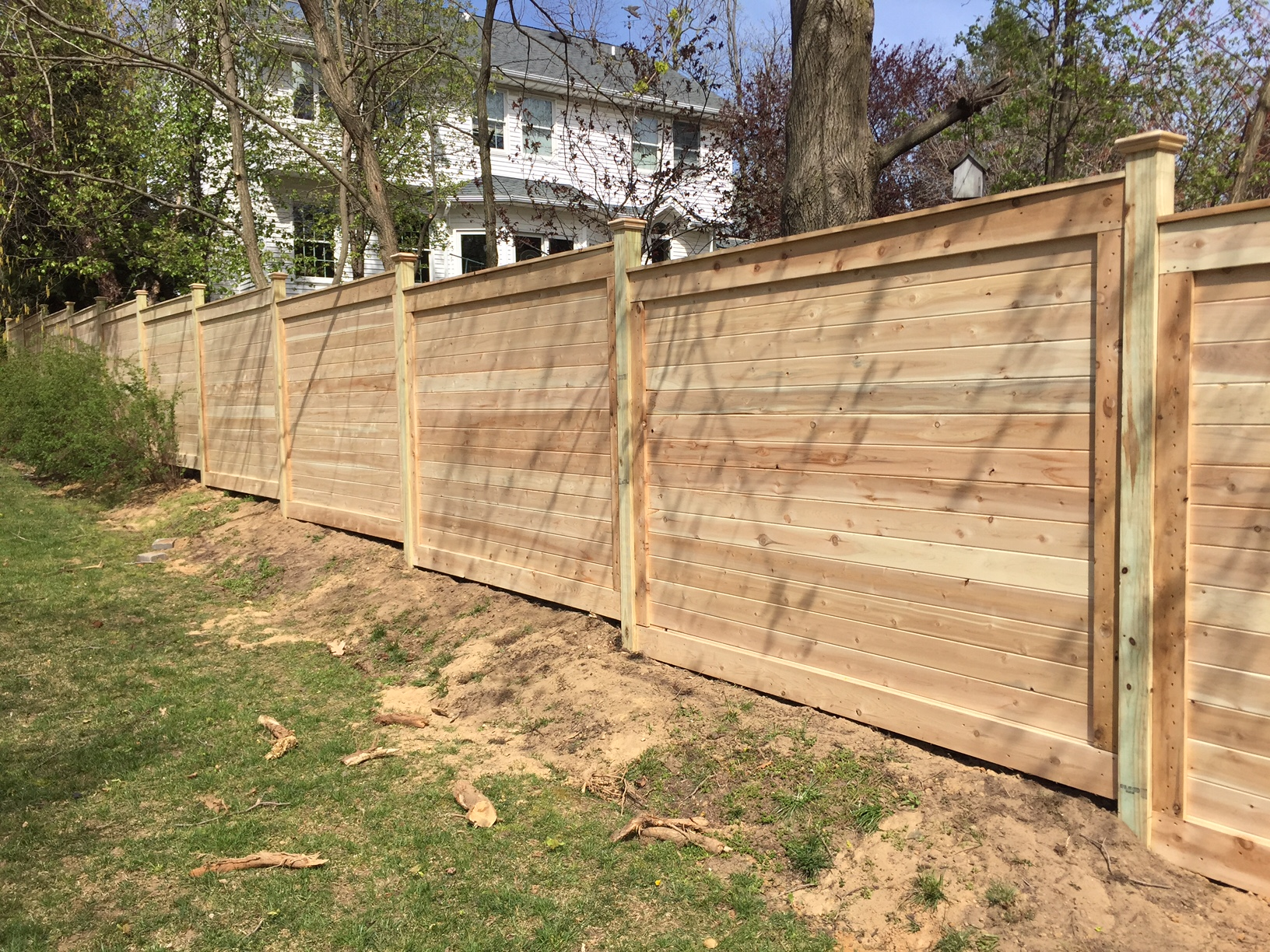 Horizontal board fence