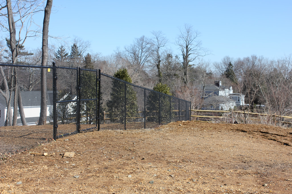 Attirant Black Chain Link To Split Rail