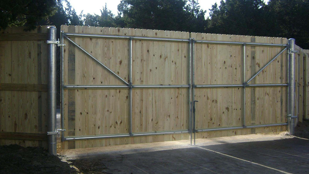Commercial fence gates are made with heavy duty material for Diy fence gate designs