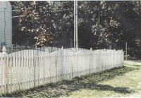 Spruce Concave Space Picket Fence